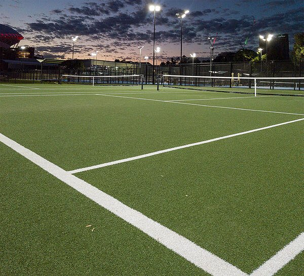 Zoom on a synthetic turf tennis court at the Memorial Drive